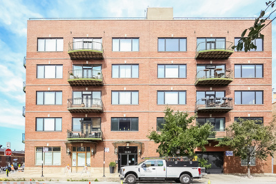 Condo/Townhouse Contingent: 1152 West Fulton Street #2A