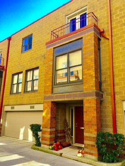 Condo/Townhouse For Sale: 950 West Berwyn Avenue #12
