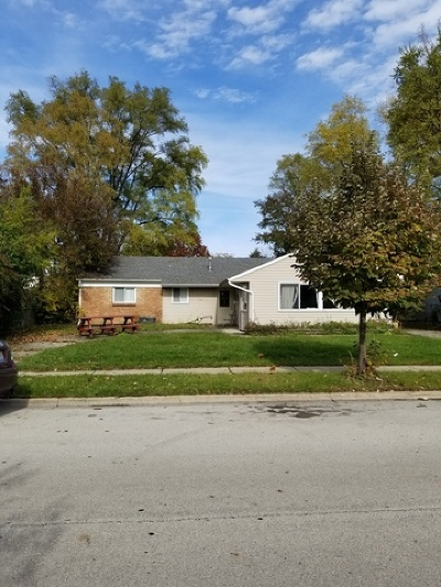 Glendale Heights Single Family Home Contingent: 182 Vantroba Drive