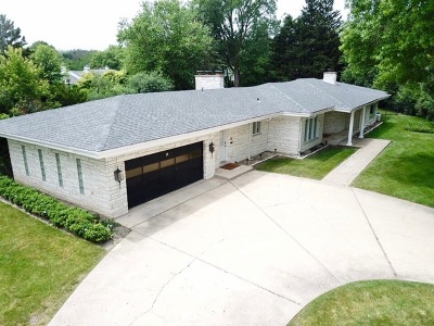 Northfield Single Family Home For Sale: 14 Winfield Circle