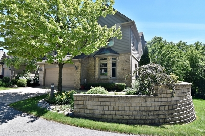 St. Charles Condo/Townhouse For Sale: 905 Oak Crest Lane