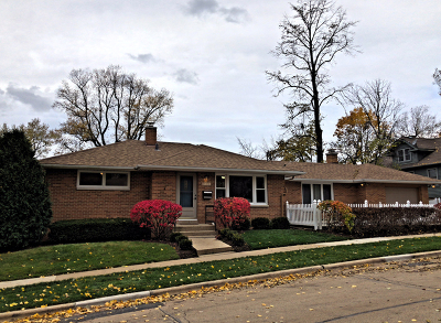Libertyville Single Family Home For Sale: 805 Bartlett Terrace