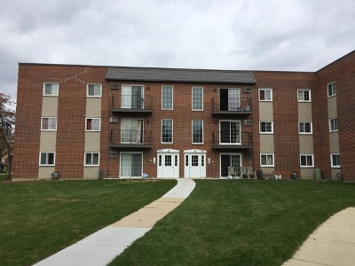 Carol Stream Condo/Townhouse For Sale: 121 West Elk Trail #320