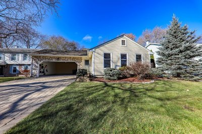 Buffalo Grove Single Family Home For Sale: 920 Bedford Court