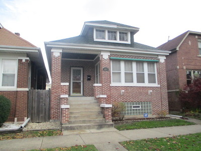 Single Family Home For Sale: 5631 North Maplewood Avenue