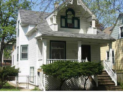 Single Family Home Contingent: 4312 North Hamlin Avenue