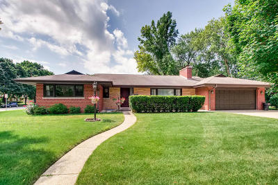 Lincolnwood Single Family Home For Sale: 7056 North Keystone Avenue
