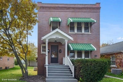 Franklin Park Multi Family Home For Sale: 2844 Pearl Street