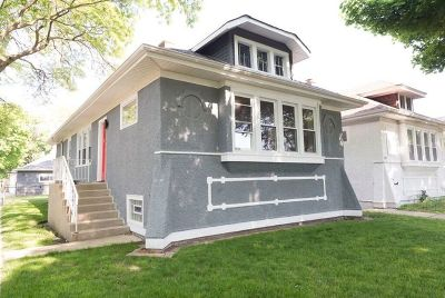 Single Family Home New: 6257 North Maplewood Avenue