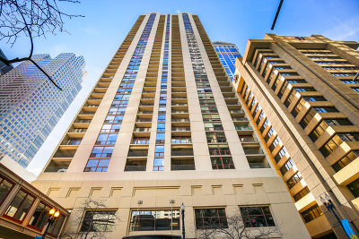 Condo/Townhouse New: 200 North Dearborn Street #905