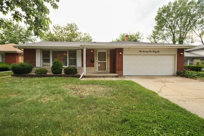 South Holland IL Single Family Home For Sale: $224,900