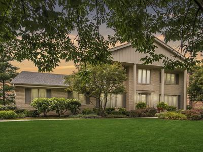 Burr Ridge IL Single Family Home New: $585,000