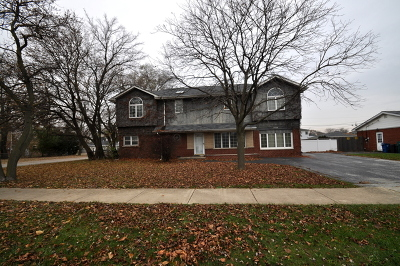 Burbank IL Single Family Home For Sale: $227,000