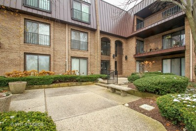 Northbrook Condo/Townhouse For Sale: 2 The Court Of Harborside Court #308