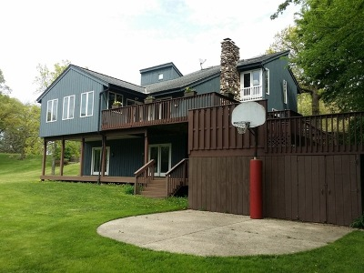 McHenry Single Family Home For Sale: 1803 Cassandra Lane