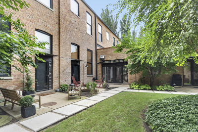 Condo/Townhouse New: 1872 North Clybourn Avenue #113