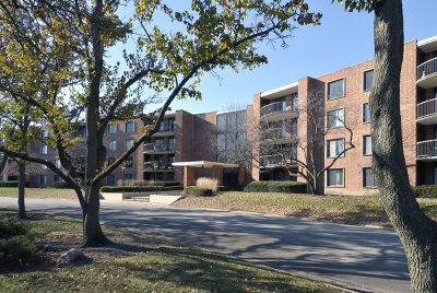 Arlington Heights IL Condo/Townhouse New: $125,000