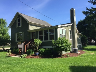 East Dundee Single Family Home For Sale: 306 Water Street