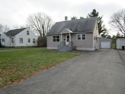Harvard Single Family Home For Sale: 105 East Metzen Street