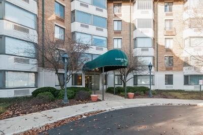 Glen Ellyn Condo/Townhouse For Sale: 470 Fawell Boulevard #213