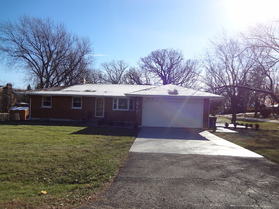 Elgin Single Family Home For Sale: 935 Forest Drive