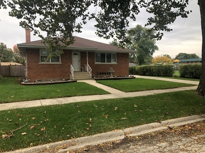 Westchester IL Single Family Home For Sale: $289,000