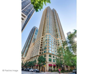 Condo/Townhouse For Sale: 25 East Superior Street #5001