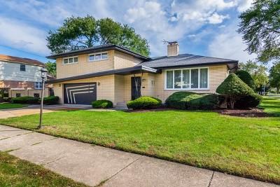 Oak Lawn Single Family Home For Sale: 10501 South Laramie Avenue