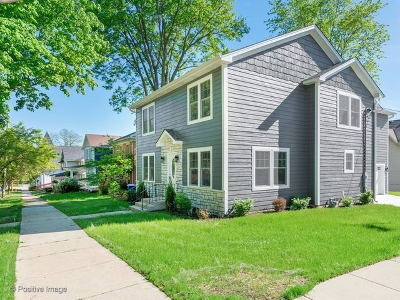 St. Charles Single Family Home For Sale: 324 South 4th Street
