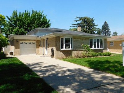 Westchester IL Single Family Home For Sale: $269,999