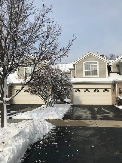 Downers Grove Condo/Townhouse For Sale: 208 Foxfire Court