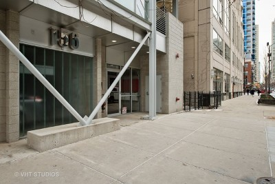 Condo/Townhouse For Sale: 156 West Superior Street #601