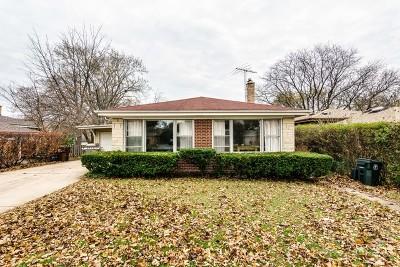 Skokie Single Family Home For Sale: 9527 Kostner Avenue