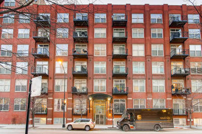 Condo/Townhouse For Sale: 420 South Clinton Street #610A