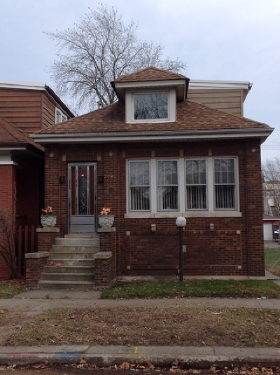 Single Family Home For Sale: 7747 South Rhodes Avenue