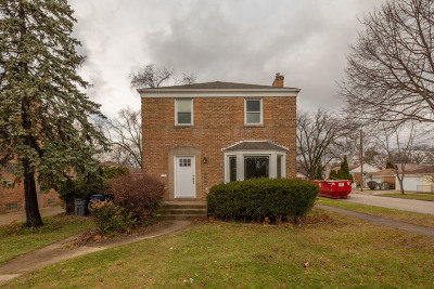 North Riverside Single Family Home For Sale: 2300 South 2nd Avenue
