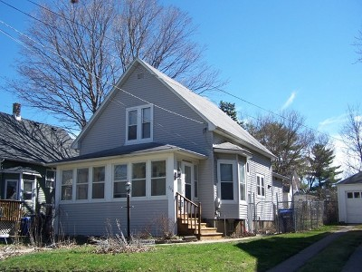 Dekalb Single Family Home For Sale: 736 North 11th Street