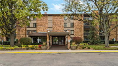 Willowbrook Condo/Townhouse For Sale: 301 Lake Hinsdale Drive #411