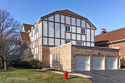 Northbrook Condo/Townhouse For Sale: 660 Ballantrae Drive #C