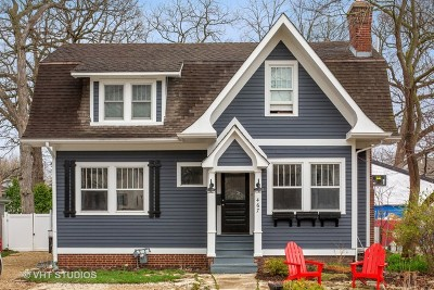 Glen Ellyn Single Family Home For Sale: 467 Carleton Avenue