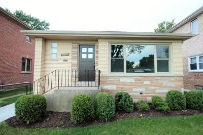 Norridge Single Family Home For Sale: 4052 North Olcott Avenue