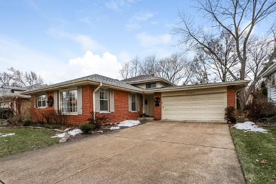 Arlington Heights Single Family Home Contingent: 122 North Forrest Avenue