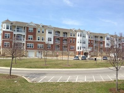 Glenview Condo/Townhouse For Sale: 2750 Commons Drive #211