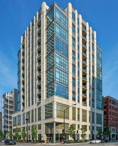Condo/Townhouse New: 150 West Superior Street #801