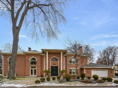 Lincolnwood Single Family Home For Sale: 6635 North Longmeadow Avenue