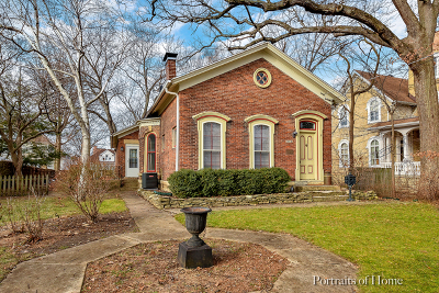 West Chicago Single Family Home For Sale: 212 Arbor Avenue