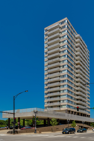 Cook County Condo/Townhouse For Sale: 5601 North Sheridan Road #8A