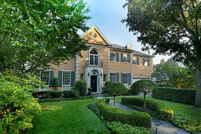 Kenilworth Single Family Home For Sale: 555 Kenilworth Avenue