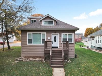 Elmhurst Single Family Home For Sale: 386 South Sunnyside Avenue