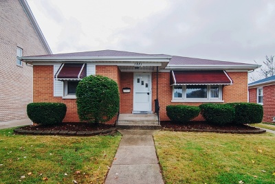 Westchester Single Family Home For Sale: 1821 Burns Avenue